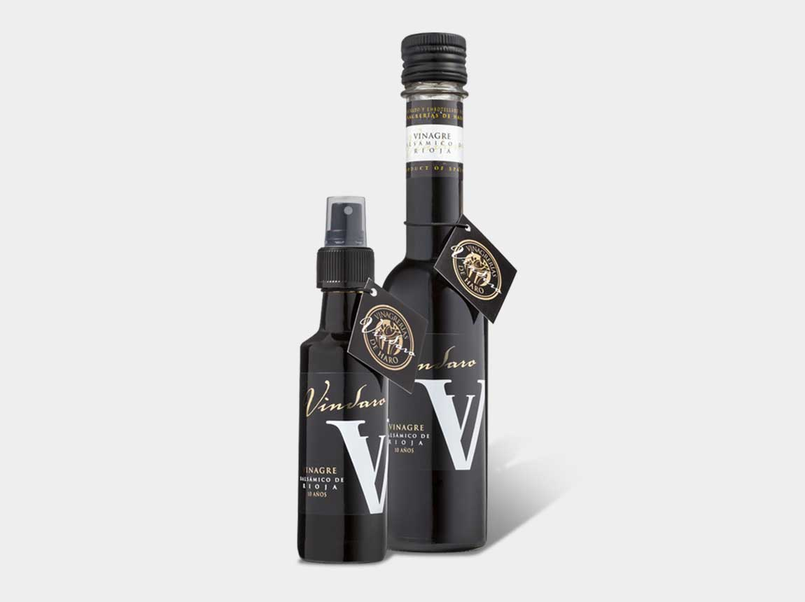 Botellas de Vindaro 10-year balsamic Rioja wine vinegars